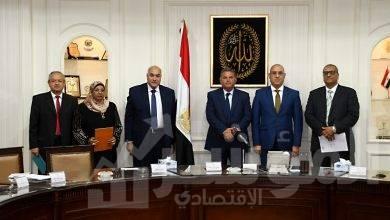 صورة وزيرا قطاع الأعمال العام والإسكان يشهدان توقيع بروتوكول تعاون بشأن تطوير أراضي محور المحمودية