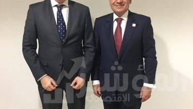 """صورة وزير البترول يلتقي نائب الرئيس التنفيذي"""" لشل العالمية """" خلال فاعليات مؤتمر الطاقة العالمي  بأبو ظبي"""