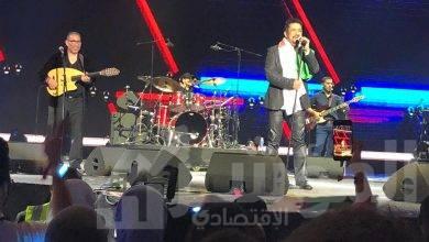 صورة شيرين والشاب خالد والجسمي يفتتحان اولى حفلات اليوبيل الفضي لمهرجان دبي للتسوق
