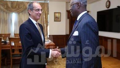 """صورة """"  وزير الاتصالات """" يستقبل سفير جمهورية كوت ديفوار في القاهرة"""