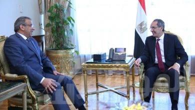 صورة وزير الاتصالات وتكنولوجيا المعلومات يقبل استقالة عصام الصغير رئيس الهيئة القومية للبريد