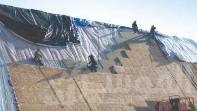 صورة أحمد هيكل يستعرض مشاركة شركة جلاس روك للعزل بمعرض صناعات الحديد والصلب