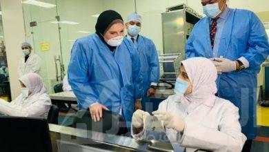 صورة مسئولو جمعية المستثمرين بمدينة العاشر من رمضان يشيدون بإجراءات الوقاية المتبعة من المصانع لحماية العمال والمنتجات