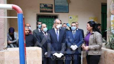 صورة وزير الاتصالات يزور مركز للخدمات البريدية بالهرم ومدرسة الشهيد اللواء نبيل فراج الابتدائية