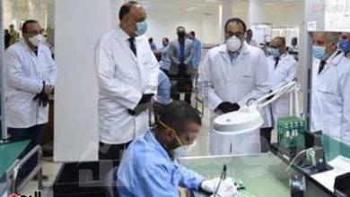 صورة نتابع تكليفات الرئيس السيسى بالتأكد من تنفيذ المصانع للإجراءات الاحترازية واستمرار عجلة العمل والإنتاج