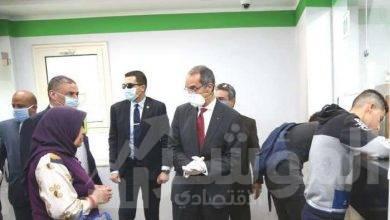 صورة وزير الاتصالاتيتفقد عدد من منافذ الهيئة القومية للبريد فى القاهرة والجيزة