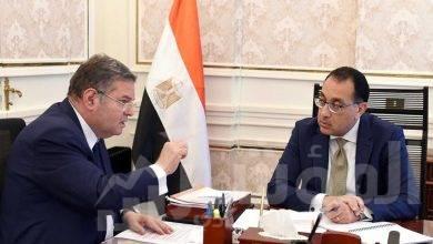 صورة رئيس الوزراء يتابع مع وزير قطاع الأعمال العام موقف العمل  بالشركات التابعة للوزارة