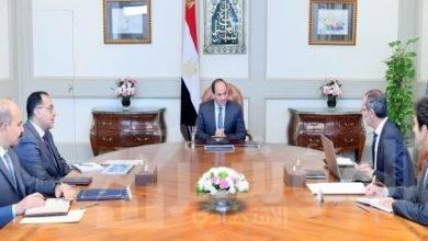 صورة السيسي يجتمع مع رئيس مجلس الوزراء ووزير الاتصالات وتكنولوجيا المعلومات