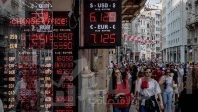 صورة الليرة التركية تهبط الى ما دون مستويات أزمة 2018