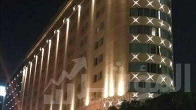 صورة وزير قطاع الأعمال العام يتفقد اللمسات النهائية لمشروع إضاءة ميدان التحرير