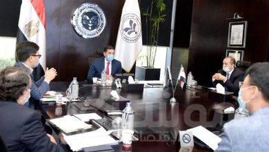 """صورة رئيس هيئة الاستثمار يلتقي رئيس مجلس إدارة """"سامسونج – مصر"""""""