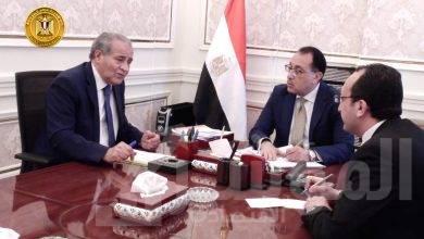 صورة رئيس الوزراء يتابع مع وزير التموين موقف توريد القمح