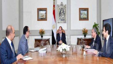 """صورة """" السيسي """" يجتمع  مع رئيس مجلس الوزراء و وزير التموين والتجارة الداخلية"""