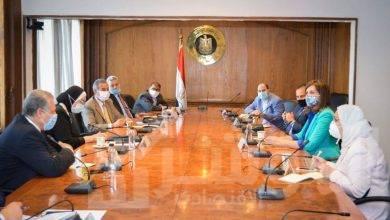 صورة جامع ومكرم تعلنان اتاحة فرص عمل للـ٢٣ مصرياً العائدين من ليبيا