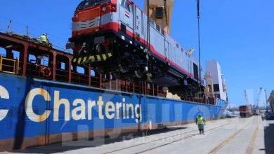 صورة بالفيديو.. وصول ٢٠جرار سكة حديد جديد لميناء الأسكندرية