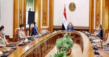 """صورة """" السيسي """" يطلع على خطط وجهود سلاح الإشارة بالقوات المسلحة لتأمين العمق الغربي لمصر والحدود المشتركة مع ليبيا"""