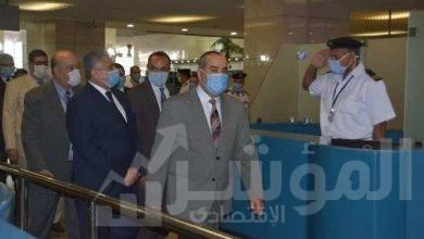 صورة وزير الطيران المدنى فى جولة تفقدية بمطار القاهرة الدولى