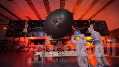 """صورة إنجاز عملية وضع """"مسبار الأمل""""داخل كبسولة وتثبيتها أعلى صاروخ الإطلاق بنجاح"""