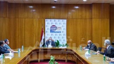 صورة وزير قطاع الأعمال العام يعقد لقاء مع جمعية رجال الأعمال المصريين