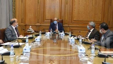 """صورة """" وزير الدولة للإنتاج الحربي"""" يلتقي بعدد من رؤساء شركات الإنتاج الحربي"""