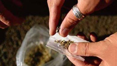 صورة ضبط عاطل قبل ترويجه كمية من مخدر الفودو بالمرج