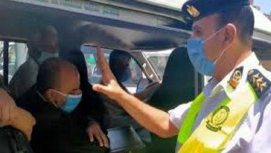 صورة لعدم ارتداء الكمامة.. اتخاذ الإجراءات القانونية ضد 1833 سائق نقل جماعي