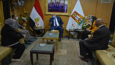صورة محافظ الوادي الجديد: المحافظة تقف على مسافة واحدة من جميع المرشحين