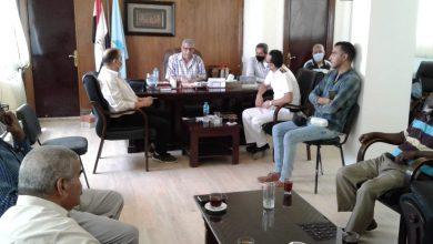 صورة رئيس مدينة مرسى علم  يترأس اجتماعاً لمناقشة استعدادات انتخابات الشيوخ