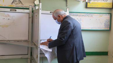 صورة بعد تصويته.. محافظ الجيزة يتفقد مقرات انتخابات مجلس الشيوخ 2020