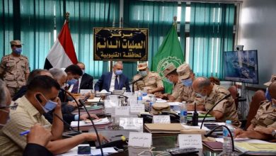 صورة مساعد وزير الدفاع يتفقد لجان انتخابات مجلس الشيوخ بالقليوبية