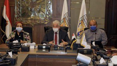 صورة محافظ جنوب سيناء يناقش أهم المشروعات الجاري تنفيذها بالمحافظة