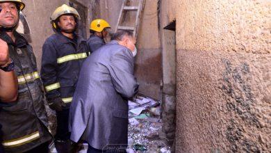 صورة محافظ أسيوط يتابع إنقاذ ربة منزل من تحت أنقاض المنزل المنهار..صور