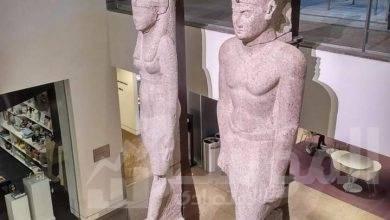 صورة عودة تمثالين ملكيين إلى مصر لعرضهما بالمتحف المصري الكبير