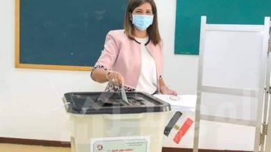"""صورة """"وزيرة الهجرة"""" تدلي بصوتها في انتخابات مجلس الشيوخ"""