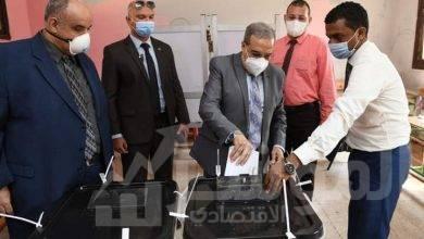 """صورة """"وزير للإنتاج الحربي"""" يدلى بصوته فى انتخابات مجلس الشيوخ"""