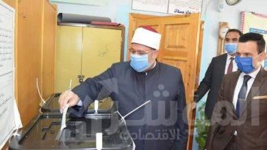 """صورة """"وزير الأوقاف"""" يدلي بصوته في انتخابات مجلس الشيوخ"""