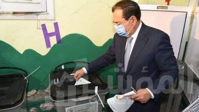 """صورة """"الملا"""" يدلى بصوته فى أنتخابات مجلس الشيوخ"""