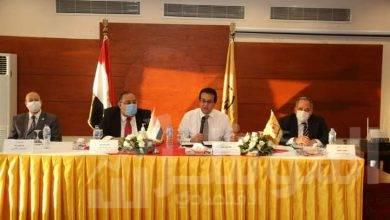 """صورة """"عبد الغفار"""" يرأس اجتماع صندوق تحسين أحوال العاملين بالجامعات المصرية"""