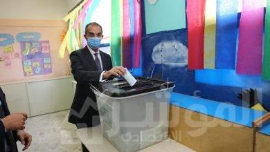 صورة وزير الاتصالات وتكنولوجيا المعلومات يدلي بصوته في انتخابات مجلس الشيوخ
