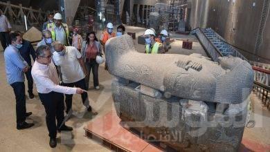 صورة جولة تفقدية لوزير السياحة والآثار بقاعات العرض بالمتحف المصري الكبير