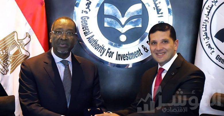 رئيس هيئة الاستثمار مع سفير رواندا