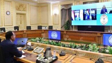 رئيس الوزراء يلتقى عددا من صناع الأثاث لبحث مقترحات تطوير الصناعة