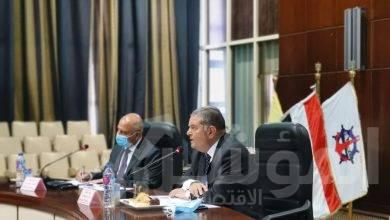 """صورة """" توفيق """" و """" الوزير """" يبحثان مع المجالس التصديرية  سبل تعزيز التجارة الخارجية وفتح أسواق جديدة"""