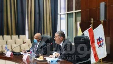 صورة وزيرا قطاع الأعمال والنقل يبحثان مع المجالس التصديرية سبل تعزيز التجارة الخارجية