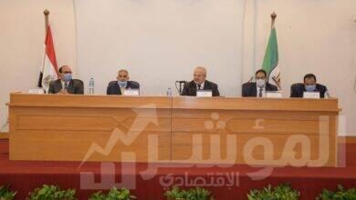 صورة د. الخشت: تجهيز جميع المقررات الدراسية إلكترونيا ورفعها على المنصة التعليمية للجامعة