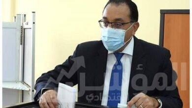 صورة رئيس الوزراء يدلى بصوته في انتخابات مجلس النواب بالمدرسة المصرية اليابانية بالشيخ زايد