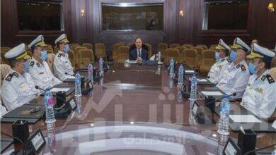 صورة وزير الداخلية يعقد إجتماعاً مع القيادات الأمنية لمتابعة خطة تأمين إنتخابات مجلس النواب