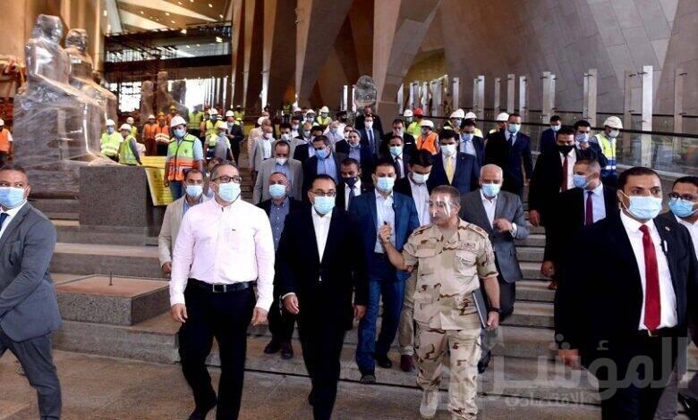 رئيس الوزراء يتفقد المتحف المصري الكبير