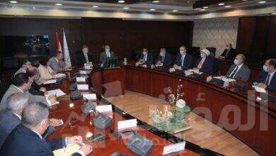 صورة وزيرا قطاع الأعمال والنقل يبحثان آليات تنفيذ توجيهات القيادة السياسية الخاصة بتطوير الاسطول التجاري المصري