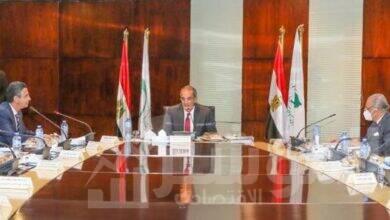 صورة وزير الاتصالات يجتمع بمجلس إدارة الهيئة القومية للبريد في تشكيله الجديد